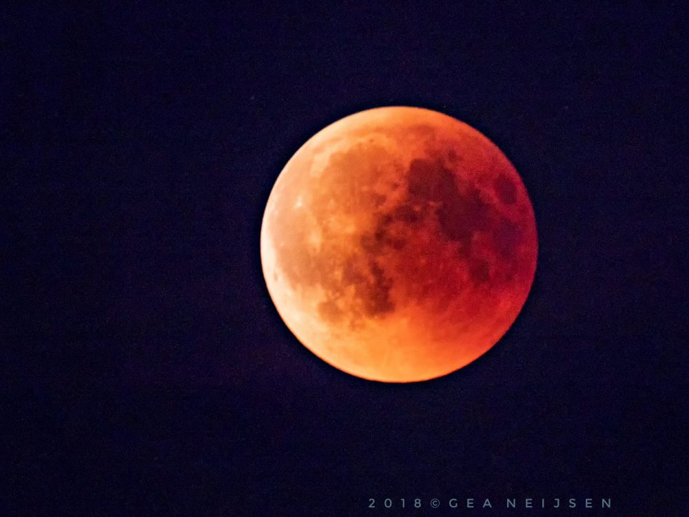 Foto van de maand: Gea's fascinatie voor de maan